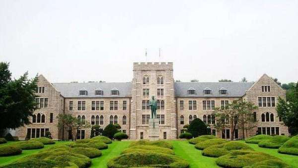 韩国多数大学: 开学时间是每年的3月份