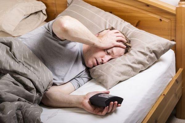 为什么睡觉老是做梦,而且越睡越累