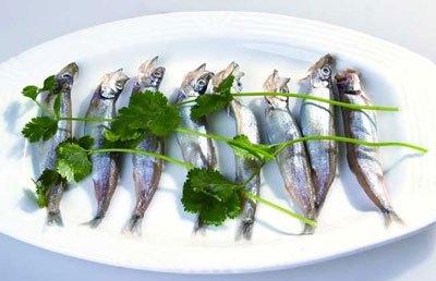 多春鱼怎么去内脏_多春鱼怎么去内脏、不去内脏的话可以吃吗?_百度知道