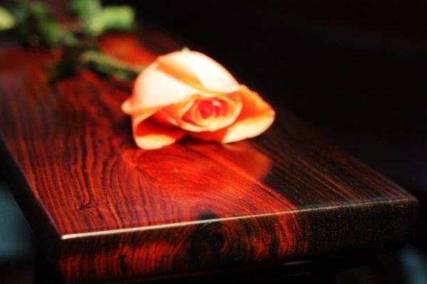 上漆 打蜡 光身 买红木家具该怎么选择这些工艺?