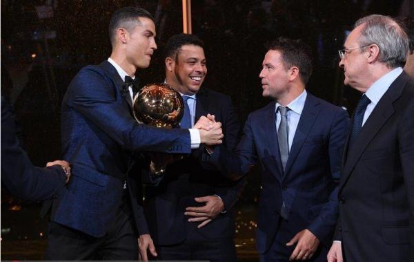 历年欧洲金球奖和世界足球先生得主是谁?