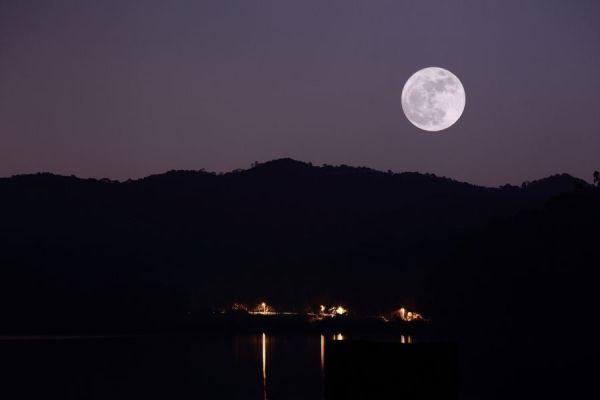 有关月的成语和古诗词 关于月的成语、诗句