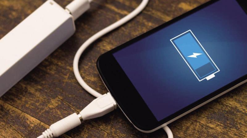 如何走出手机充电的误区?的头图