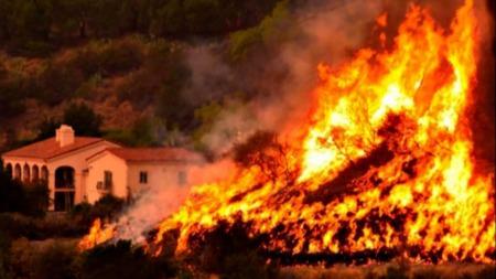 屡次刷新记录,美国史上最大山火是从哪来的?