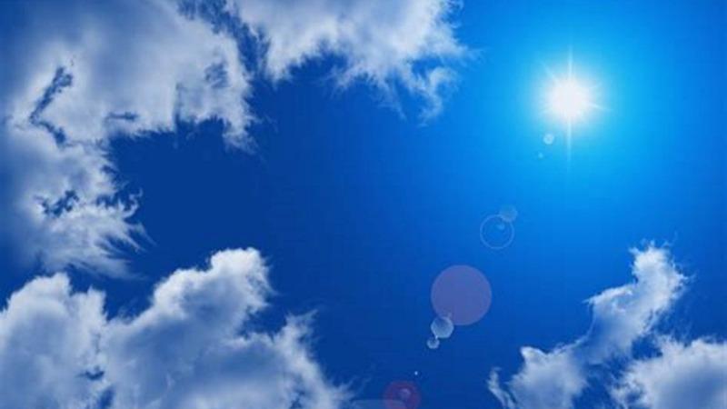 不能见天日的妇女:因罕见病对紫外线极度敏感只能生活在黑暗中