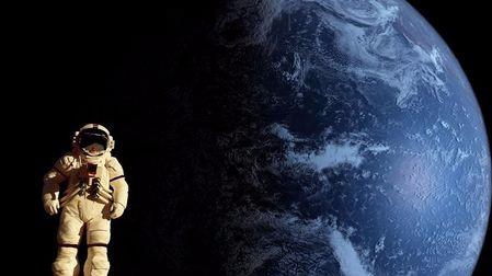登月遇险,要如何救助受伤的宇航员?的头图