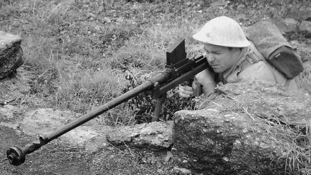二战反坦克步枪中数它最猛!连狙神巴雷特都要叫它一声爷爷?